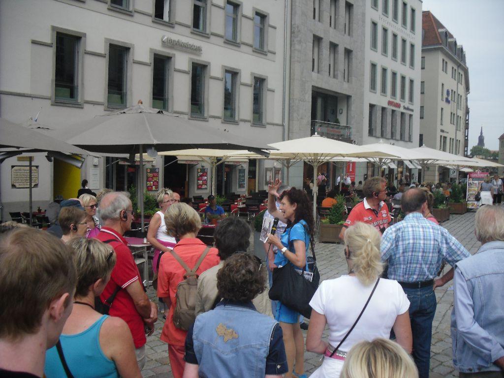 Eingang Tourist Information Neumarkt, gegenüber der Frauenkirche