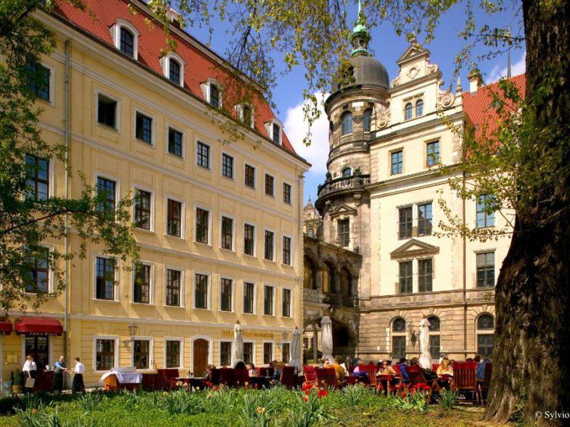 Piazzetta vorm Residenzschloss Dresden © Sylvio Dittrich