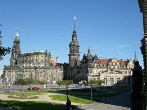 Dresden Altstadt Theaterplatz mit Hofkirche