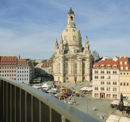 Blick auf die Frauenkirche und dem Neumarkt