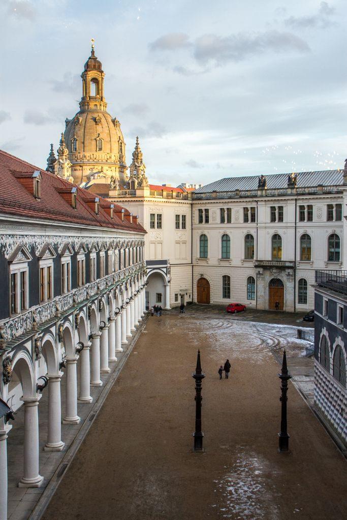 Stallhof und Frauenkirche Dresden - Blick vom kleinen Ballsaal