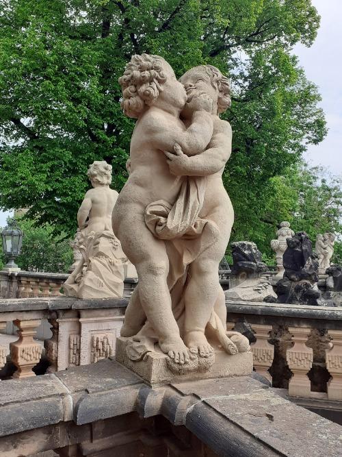 Sandsteinfiguren im Dresdner Zwinger | Gruppenführungen in Dresden